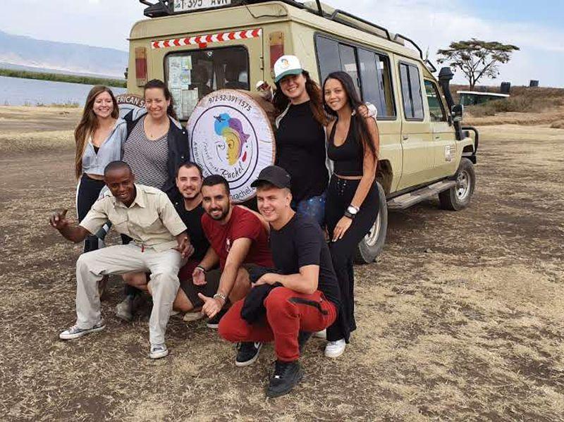 טיול מאורגן לצעירים באפריקה