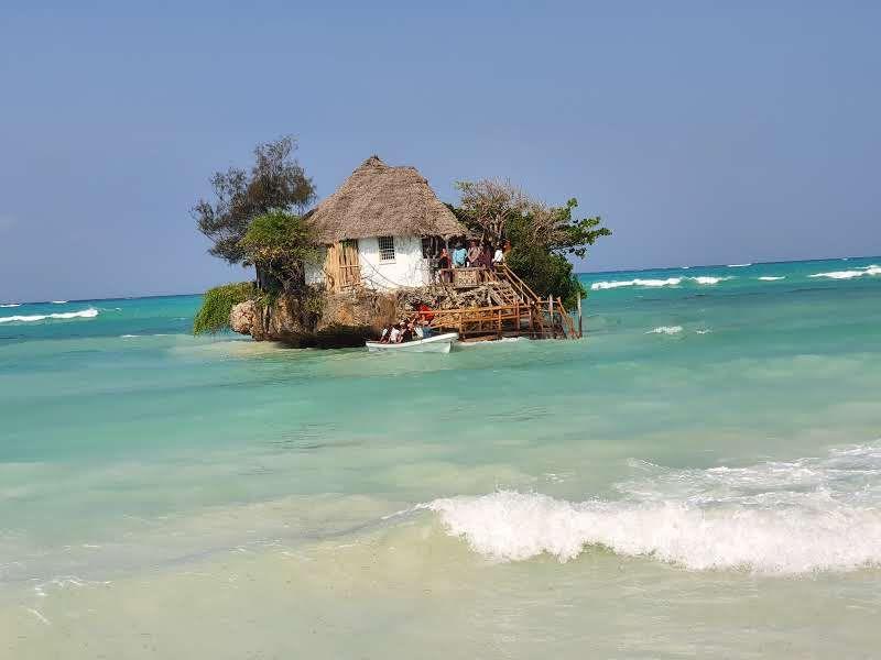מסעדה בלב הים- זנזיבר