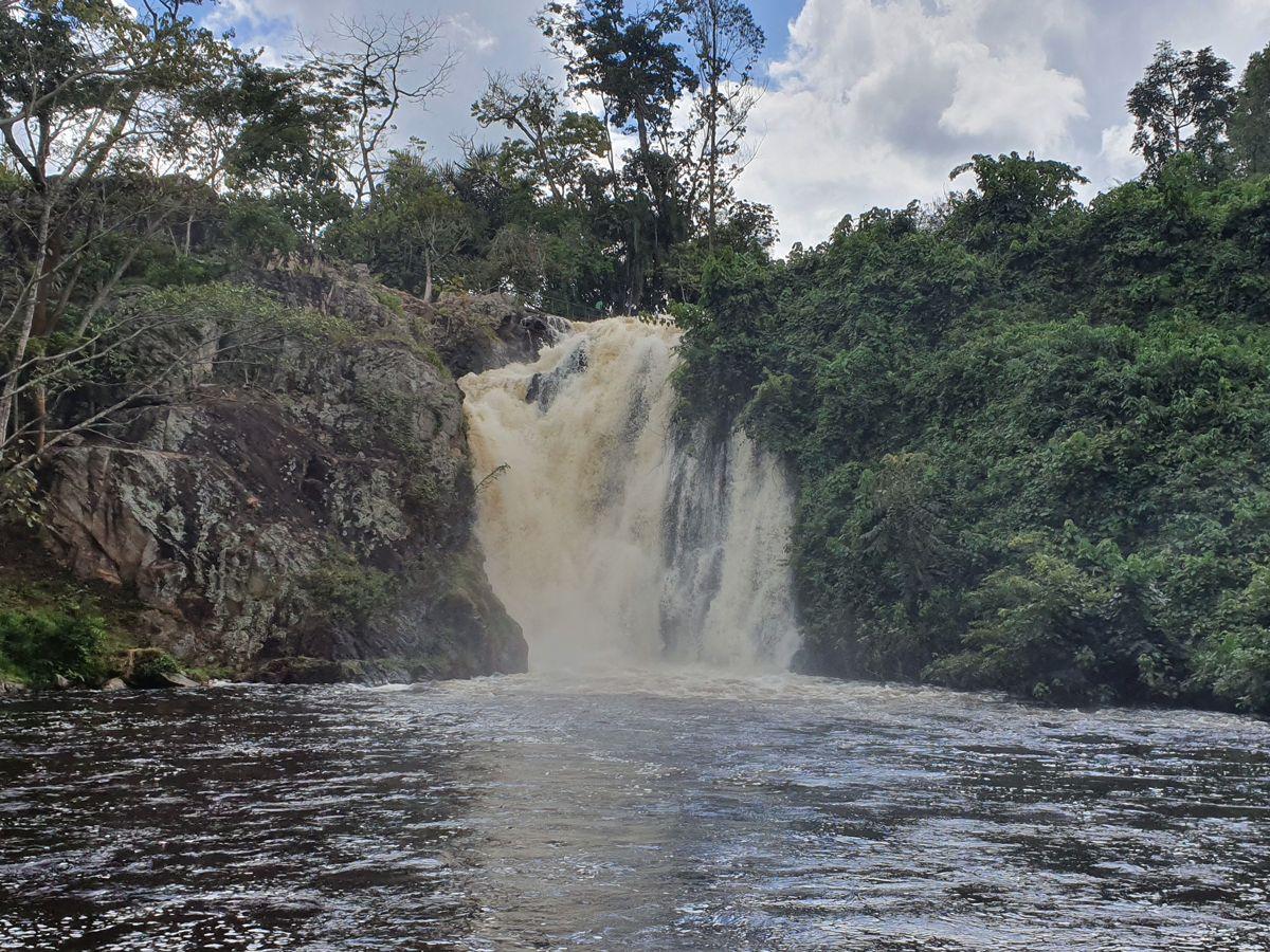 מפל באוגנדה- לטייל עם רייצ'ל