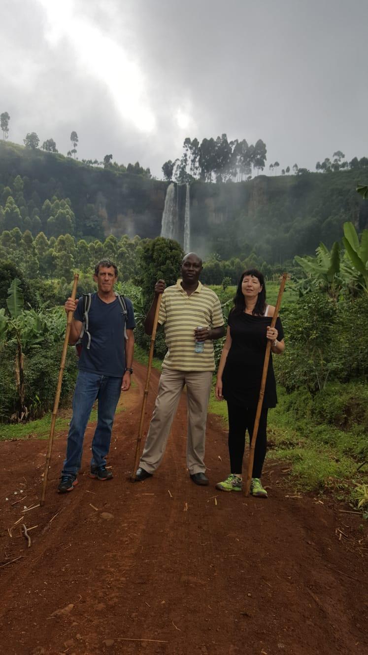 טיולים באיזור אוגנדה- אפריקה