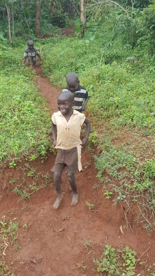 טיול לשבטים באוגנדה - לטייל עם רייצ'ל