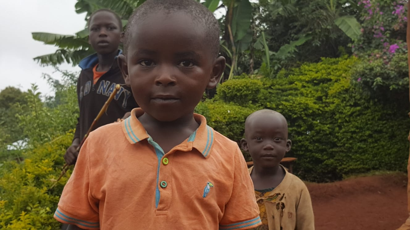 טיול לשבטים מקומיים באוגנדה