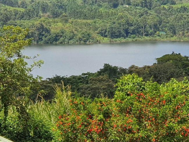 שמורת אגמי המכתש, טיול לאוגנדה