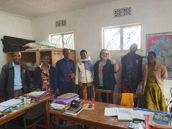 טיול מאורגן לאפריקה עם התנדבות