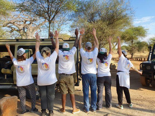 מתנדבים ומטיילים באפריקה