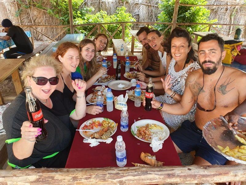 ארוחה בספארי בלו זנזיבר
