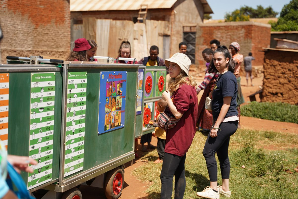 התנדבות בטנזניה- לטייל עם רייצ'ל